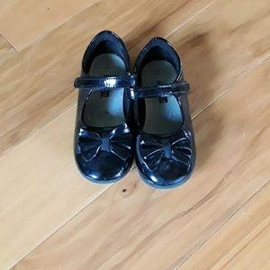 Girls black dress shoes